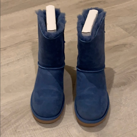b965e562bc6 UGG Boots - Women Bailey Bow Boots US size 7 NWT